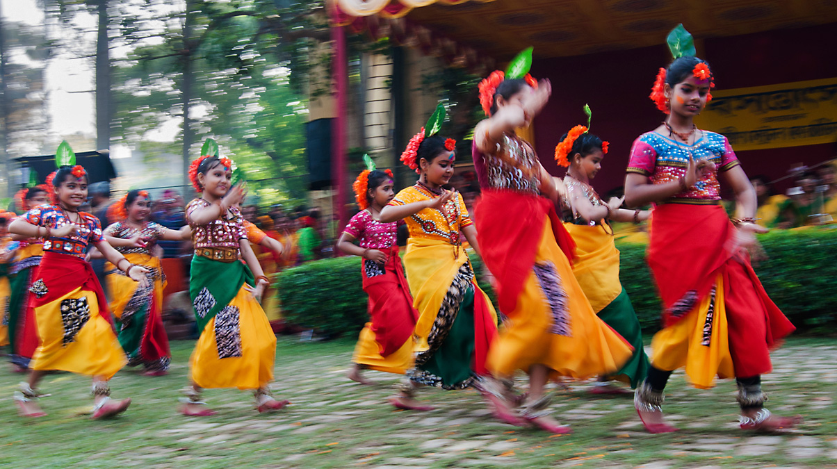 Children-Dance-©-RNMitra-iStock