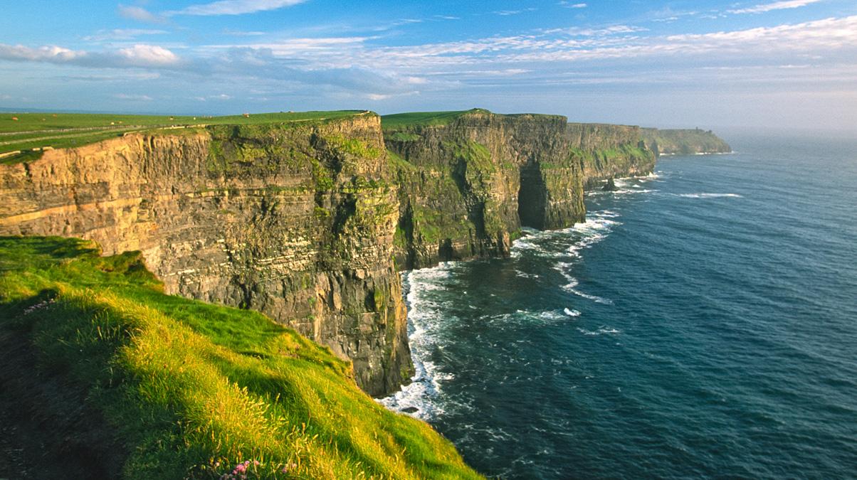 Cliffs-of-Moher_©-KeithSzafranski_iStock