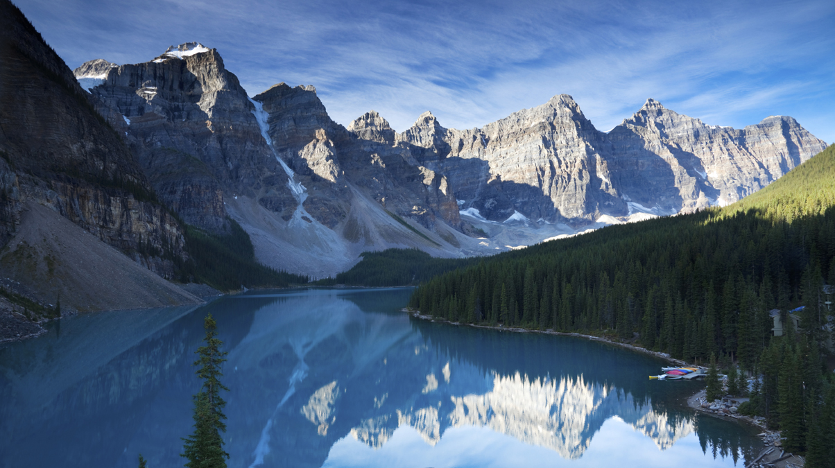 Moraine lake Banff © Daniel Barnes iStock