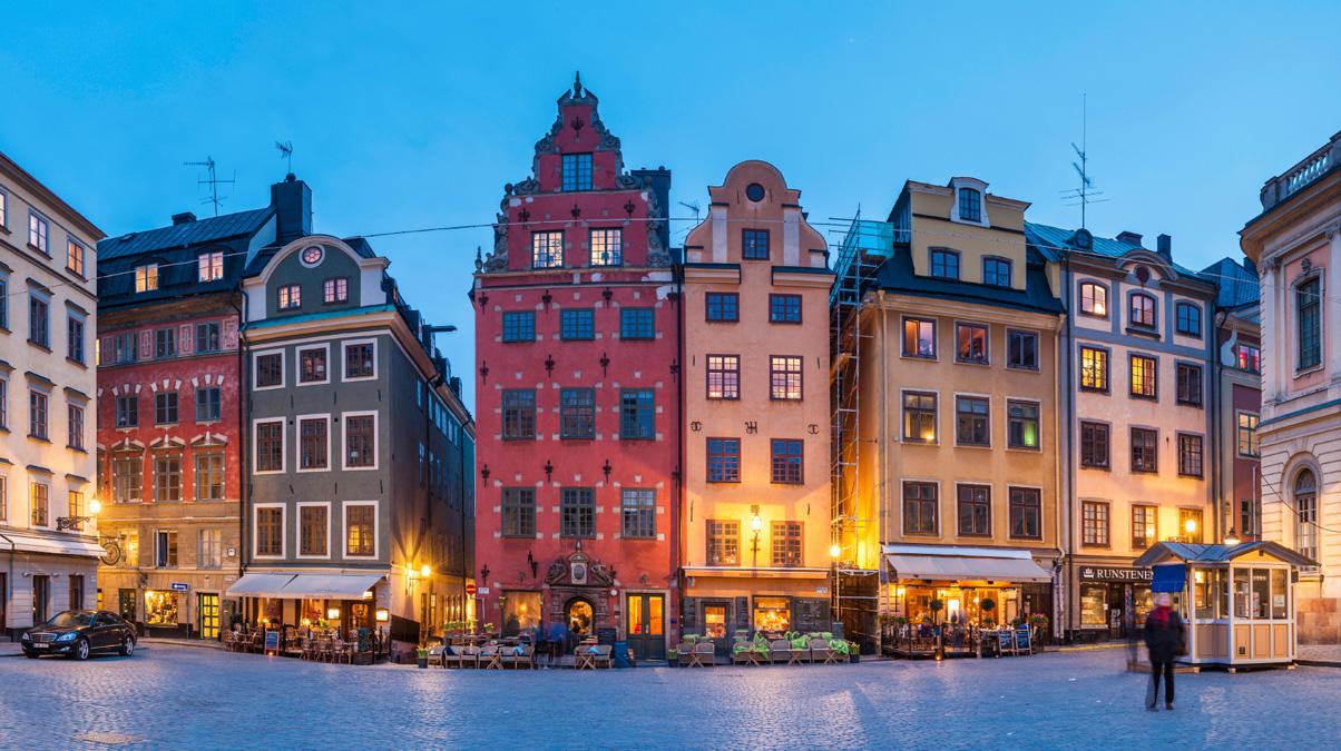 Stockholm-Stortorget,-Gamla-Stan,-Sweden_©-fotoVoyager_iStock