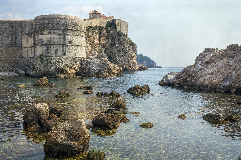 1. Game of Thrones-Dubrovnik Walls-credit lillisphotography-iStock_www.istockphoto.com:photo:dubrovnik-croatia-walls-gm509927862-86040401