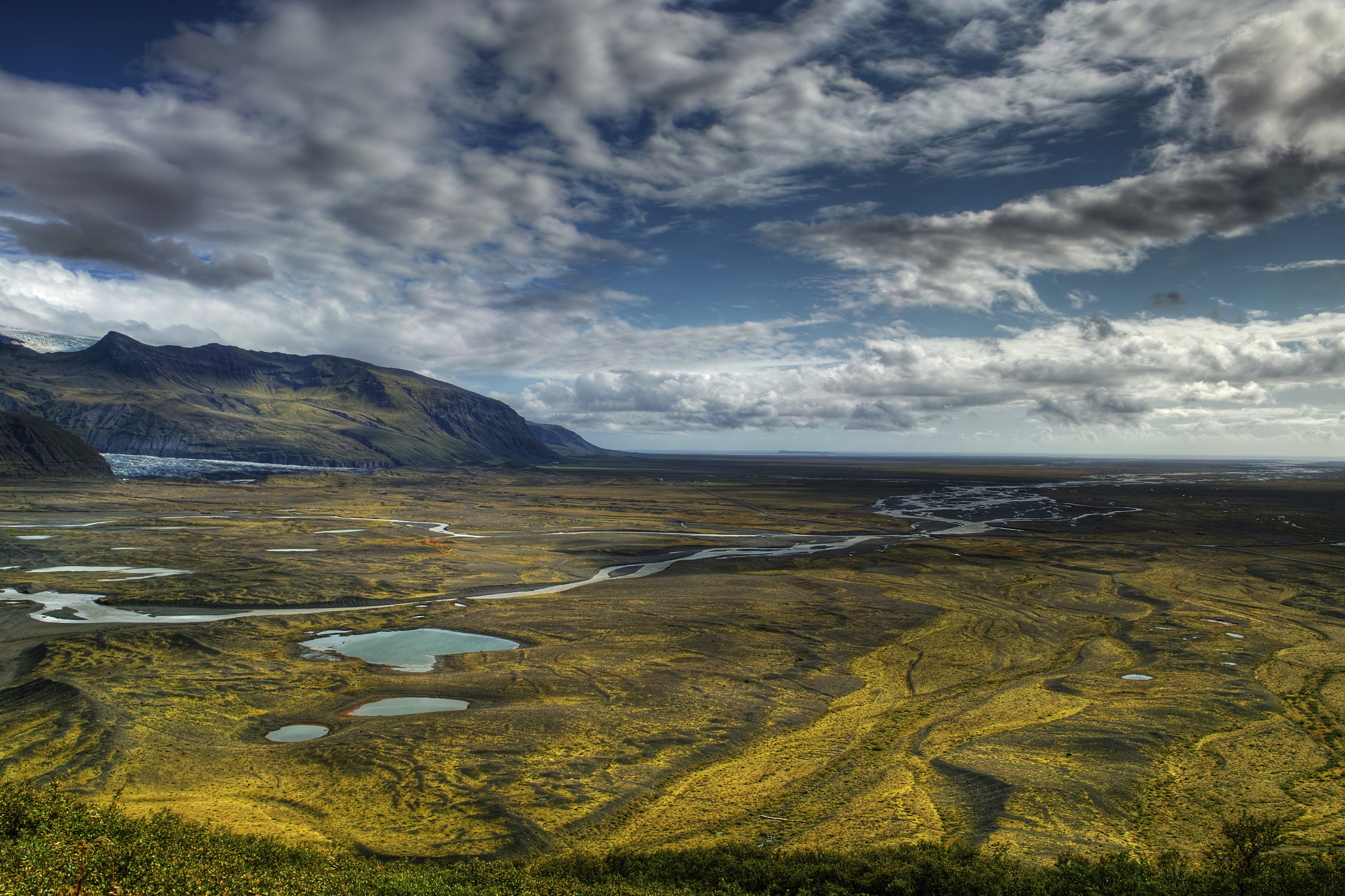 3. Game of Thrones-Skaftafell National park-credit Wild-Places-iStock_www.istockphoto.com:photo:skaftafell-nationalpark-gm182436309-11769642