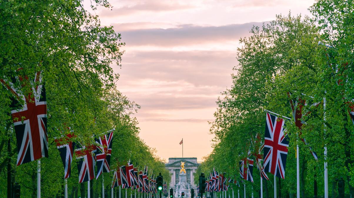 Buckingham-Palace-credit-iStock-Oliver-Huitson-www.istockphoto