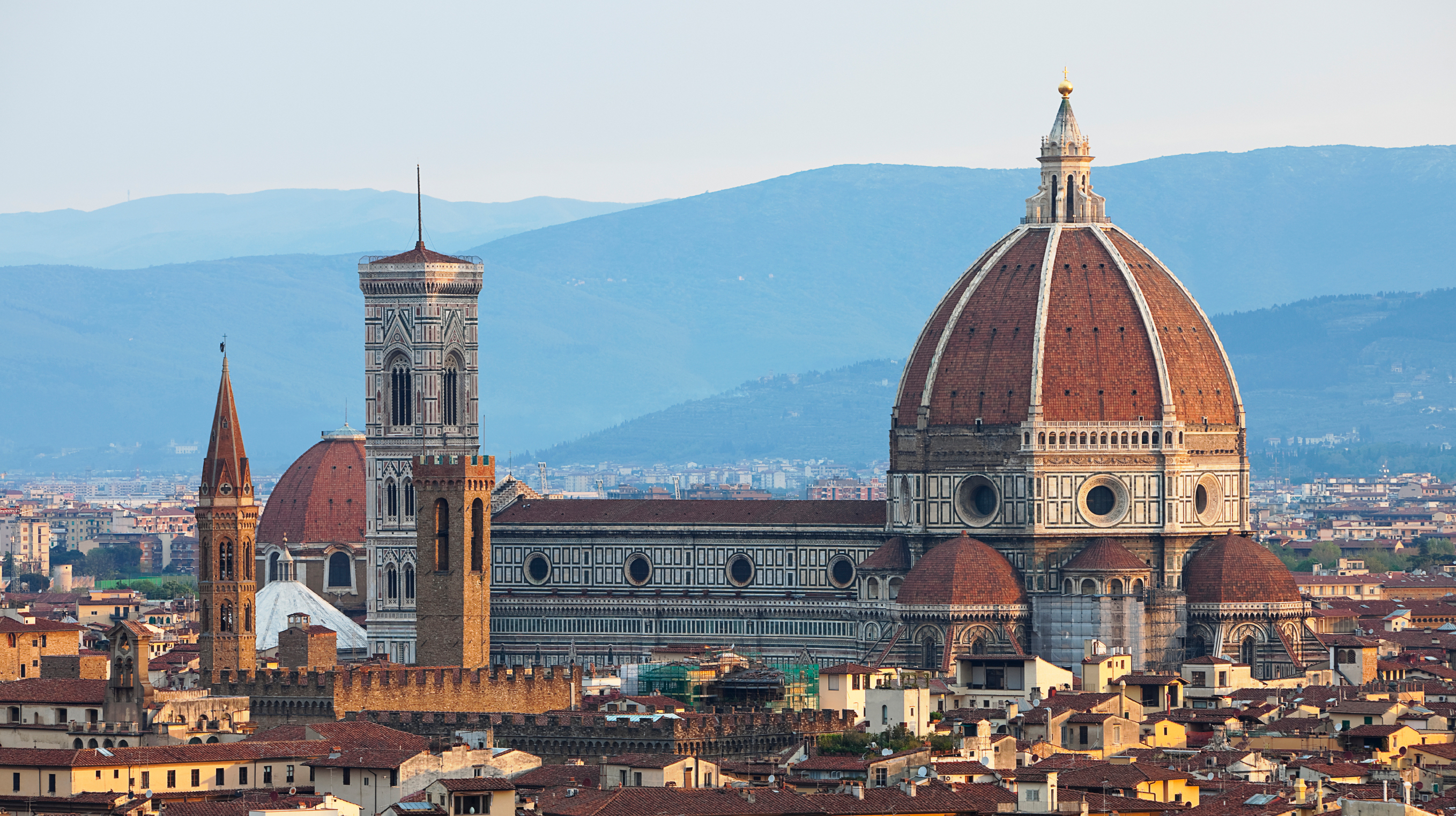 Florence www.istockphoto.com:photo:florence-cathedral-duomo-of-the-basilica-santa-maria-del-fiore-gm181866691-24451382?st=8873cce