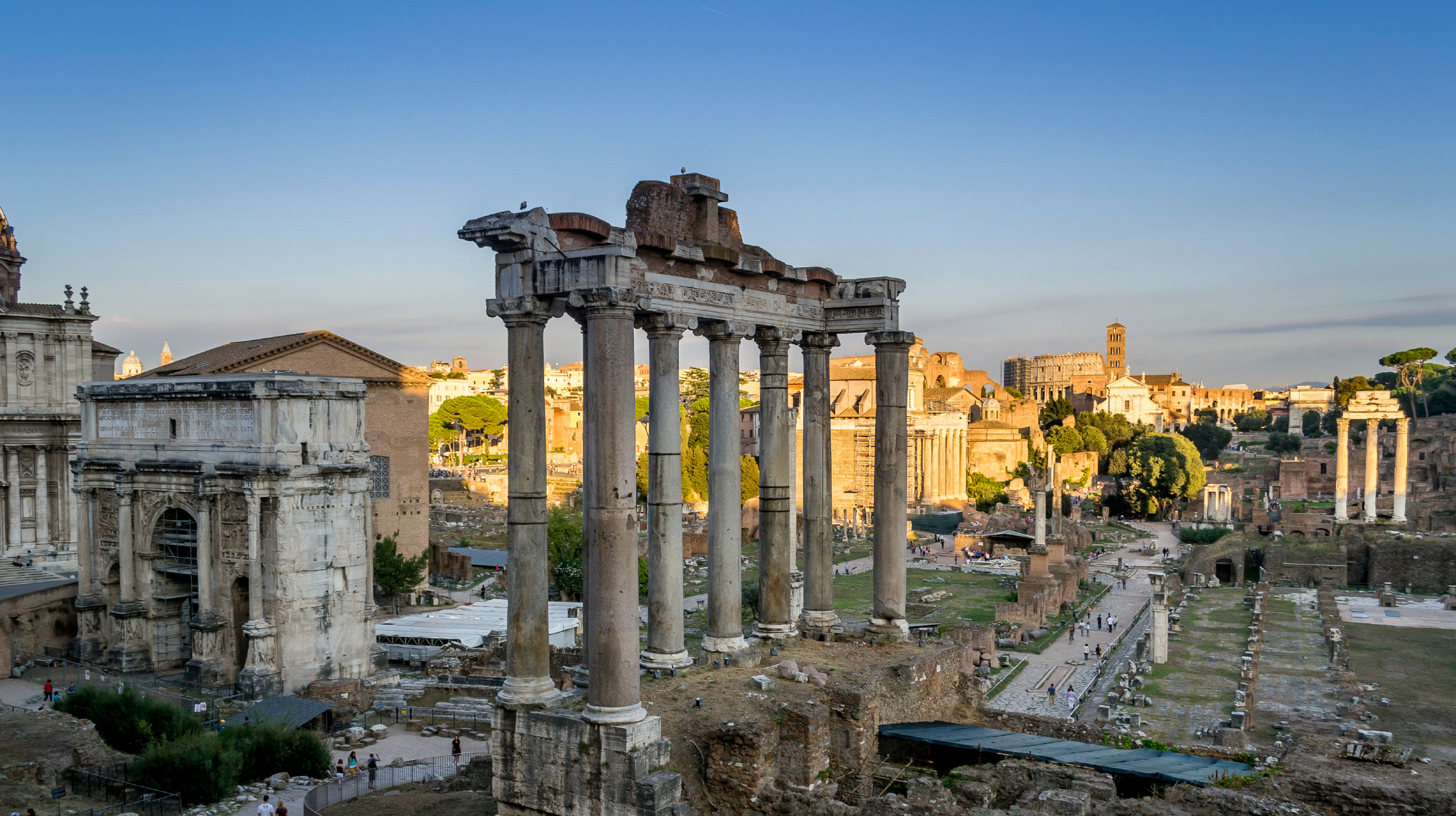 Roman Forum www.istockphoto.com:photo:evening-on-the-forum-romanum-rome-gm467205434-60201492?st=d1185e2