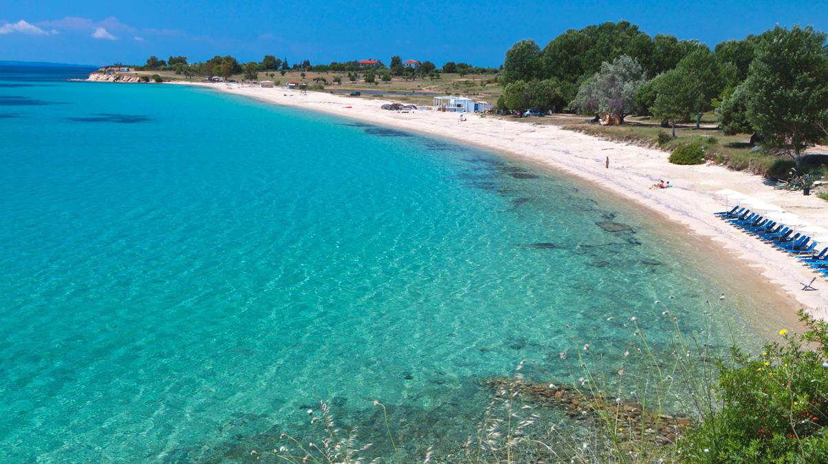 Summer-beach-in-Greece-iStock-PanosKarapanagiotis-www.istockphoto