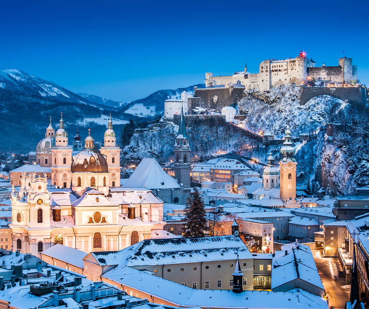 Historic-city-of-Salzburg-in-winter-iStock-bluejayphoto-www.istockphoto