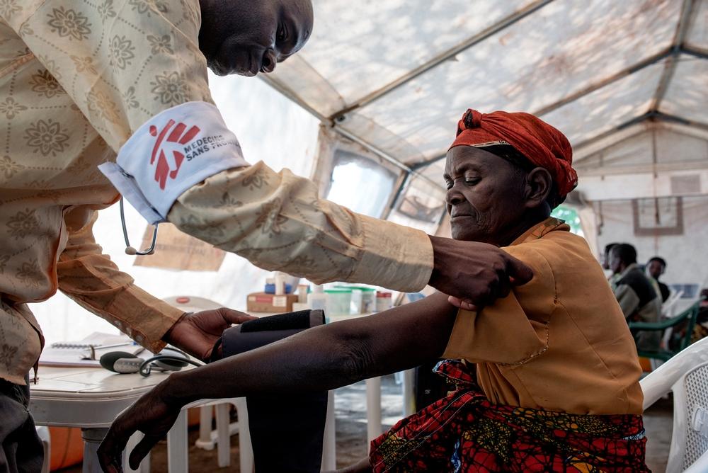 Medecins Sans Frontieres rescue of 95 people